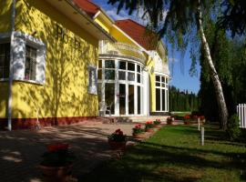 Hotel Penta Lux, Tata
