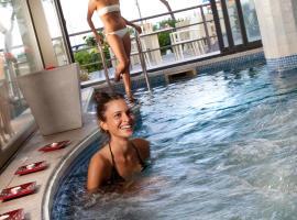Hotel Mondial, Белларія-Іджеа-Марина