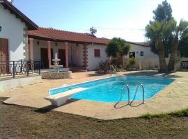 Villa Androulla, Maroni