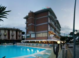 Hotel Lanzoni, Pinarella
