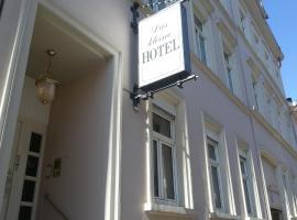 Das Kleine Hotel
