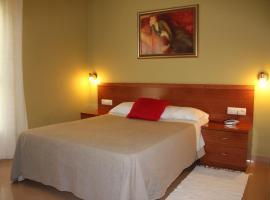 Hotel Dora, Plasencia