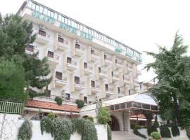 Grand Hotel Naas, Bekfaya