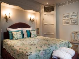 Canalside House - Luxury Guesthouse, Brugge