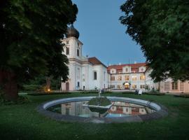Chateau Loucen Garden Retreat, Loučeň