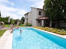 Villa Altra, Krnica