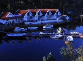 Aasheim Rorbuer, Foldrøyhamn