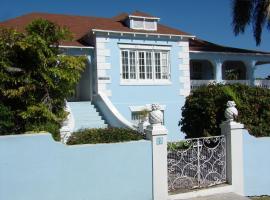 La Paloma Guest House, Nassau