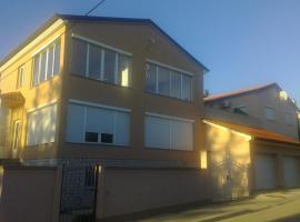 Apartments Edo, Peroj