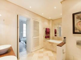 Class and Elegance: Parisian Apartment