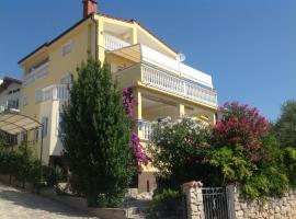 Villa Manja, Pirovac
