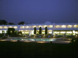 Radisson Jass Hotel, Khajuraho, Khajurāho