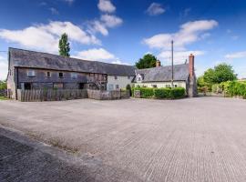 Lowe Farm, Pembridge