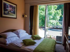 Hotel Monte Rosa, Cetinje