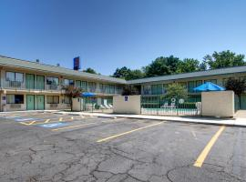 Motel 6 Marshall, Marshall
