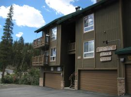 Western Slopes Villas by Mammoth Reservation Bureau