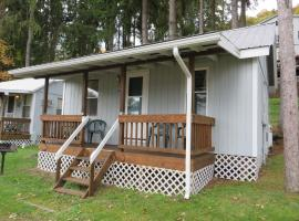 Bayside Inn & Marina- One Bedroom Cottage E, Springfield Center