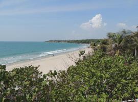 Playa Linda Cartagena, Tierra Bomba