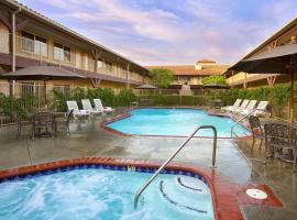 Ayres Suites Corona West, Corona