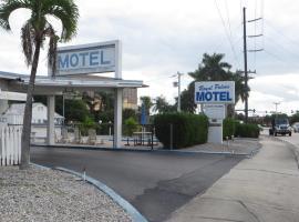 Royal Palms Motel, ستيوارت