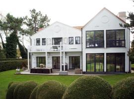 Villa All Green