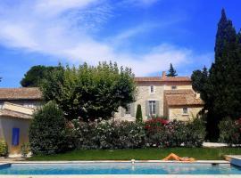 La Choisity en Provence, Aramon