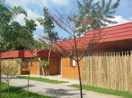 Rachaherb Gardens Resort, Saraphi