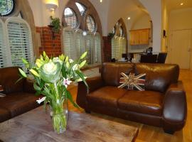 Lay Your Hat Serviced Apartments - Convent Court, Windsor