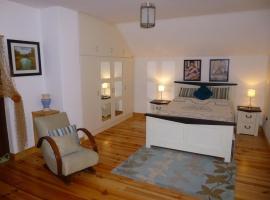 "Belan Lodge - Courtyard Accommodation,""The Francis Richard"", Moone"