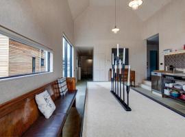Coronet Lodge