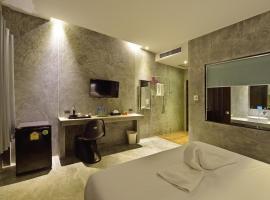 The Oasis Resort, Krabi town