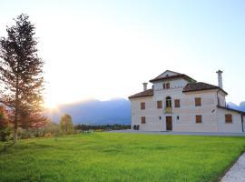 Villa D'Or, Mel