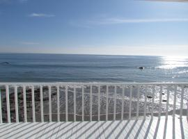 Three Bedroom House on the Beach with Ocean View, Topanga