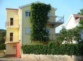 Apartments Borozan, Vinišće