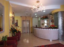 Hotel Cristal Eboli, Эболи
