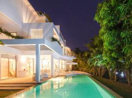 White House @ Marina Phuket, Banbangkhu