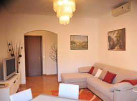Isola 5 Apartment
