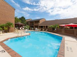 Ramada Raleigh-Blue Ridge, Raleigh