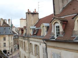 L'Amiral Sous Les Toits, Dijon