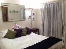 Mornington Cherry Blossom Bedsit, Mornington
