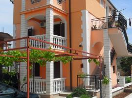 Villa Brksi, Slatine