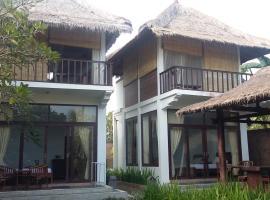 Surf Villa Mukks, Pulukan