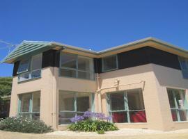 Ken's House by Great Ocean Stays, Ocean Grove
