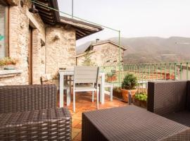 LAKE VIEW Penthouse with terrace, Castel di Tora
