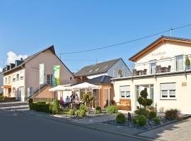 Ferienweingut mit Gästehaus Martina, Trittenheim