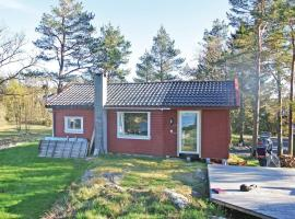 Three-Bedroom Holiday home with Sea View in Homborsund, Eide