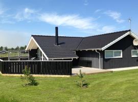 Four-Bedroom Holiday Home Klitageren with a Sauna 01, Hirtshals