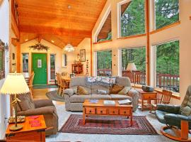 The Crystal Chalet, Snoquera