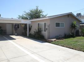 Lovely New Comfy 3 Bedroom Home, Van Nuys