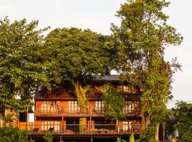 Riverhouse Hotel, Mae Sariang